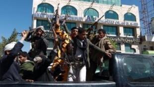 Des miliciens houthis à Sanaa, en février 2015.