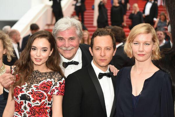 """فريق فيلم """"طوني أردمان"""" على البساط الأحمر. عدسة: مهدي شبيل"""