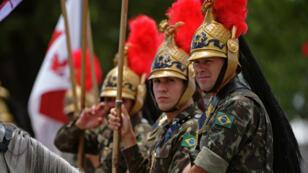 Des gardes brésiliens prennent part, le 30 décembre 2018, aux répétitions de la cérémonie d'investiture de Jair Bolsonaro qui doit se tenir le 1er janvier 2019.