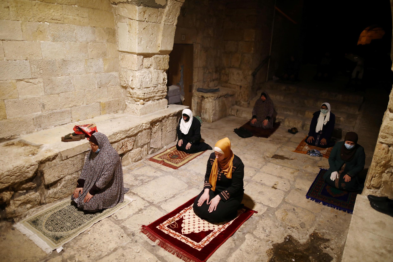 Israel Muslims pray during Ramadan