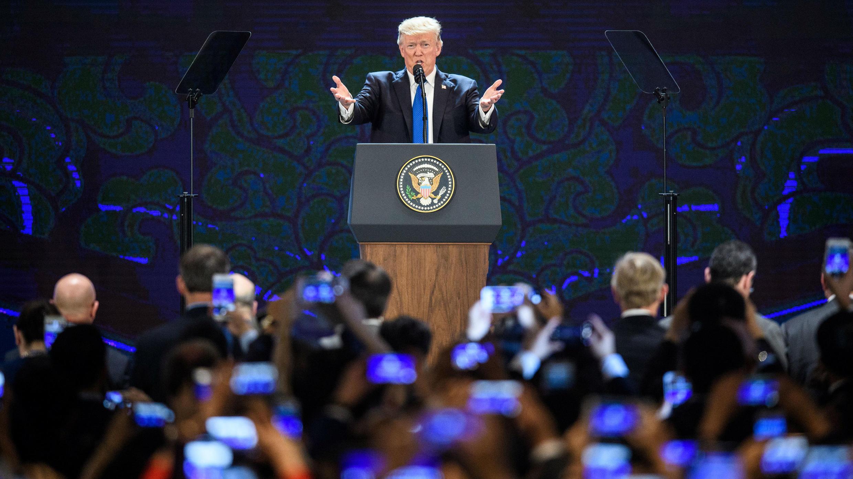 El presidente Donald Trump habló el último día del foro de APEC en Danang, Vietnam. Noviembre 10, 2017.