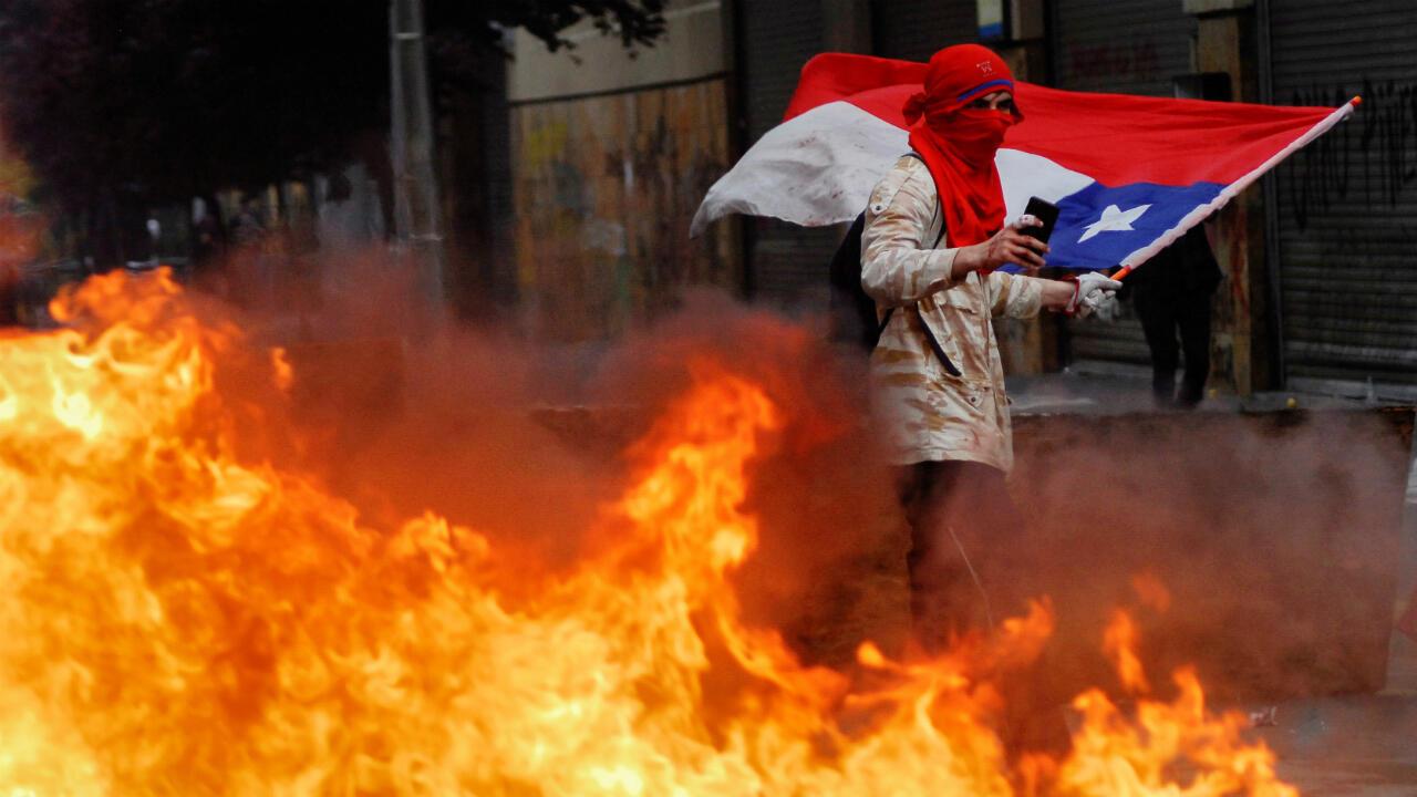 Las manifestaciones también se extendieron a otros puntos del país, como en la ciudad de Concepción