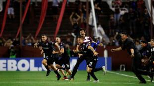 Los jugadores de Lanús celebran la clasificación a la final de la Libertadores este 31 de octubre de 2017.