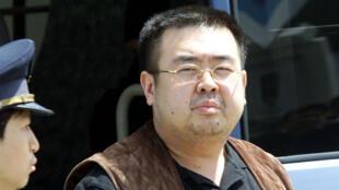 الأخ غير الشقيق لزعيم كوريا الشمالية كيم جونغ أون عام 2001 في اليابان