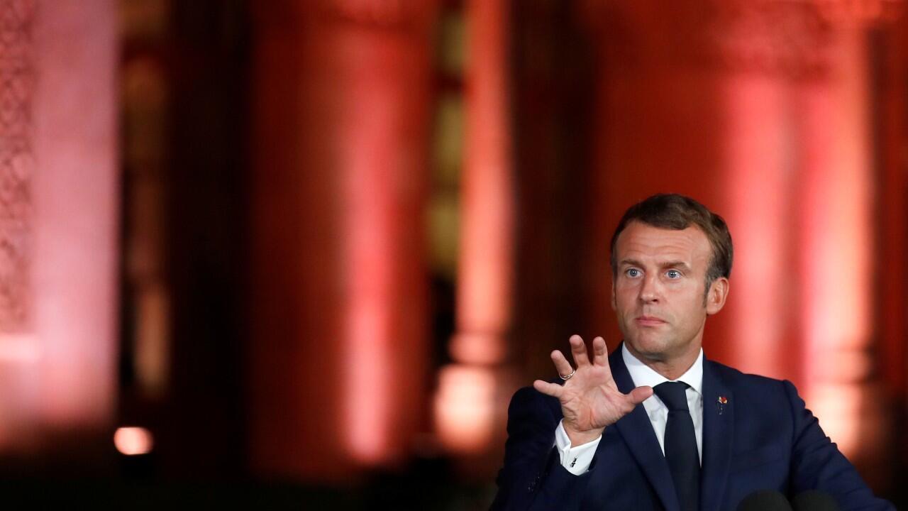 El presidente de Francia, Emmanuel Macron, durante una rueda de prensa desde la residencia oficial del embajador francés en Beirut, Líbano, el 1 de septiembre de 2020.