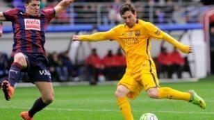 ليون ميسي سجل هدفين ضد إيبار في 6 مارس/آذار