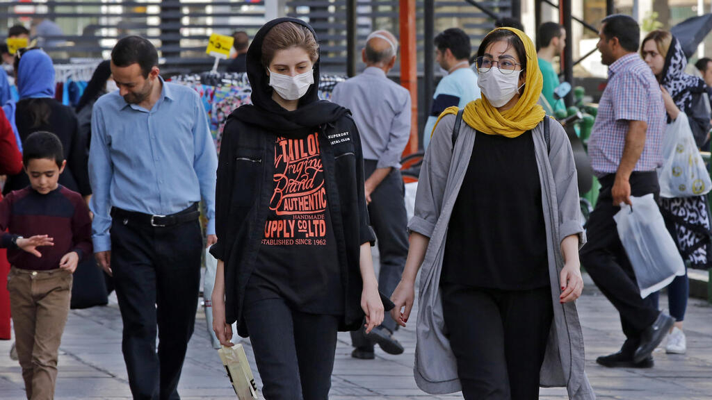 Iran marks record surge in new Covid-19 cases, steps up health campaign