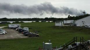 De la fumée s'élève depuis le site de lancement spatial de SpaceX le jeudi 1er septembre 2016, à Cap Canaveral, en Floride.
