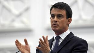 Manuel Valls a annoncé une série de mesures destinées à favoriser l'insertion des jeunes sur le marché du travail, pour un coût estimé entre 400 et 500 millions d'euros par an.