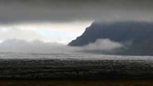Le glacier islandais le Vatnajökull, au-dessous duquel se trouve le volcan Bardarbunga.
