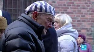 2020-01-27 14:03 75 ans de la libération d'Auschwitz : Sur place, les survivants s'en remémorent douloureusement