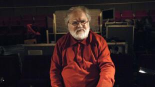 Le compositeur Pierre Henry dans son studio en 2007.