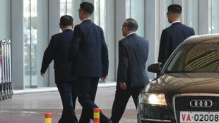 Kim Yong Chol llega al aeropuerto de Pekín para tomar un vuelo con destino a Nueva York, el 30 de mayo de 2018.