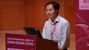 El científico He Jiankui durante una conferencia sobre edición del genoma humano, en Hong Kong, el 28 de noviembre de 2018.