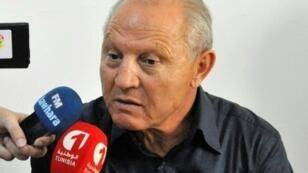 رضا شرف الدين متحدثا للصحافيين في سوسة جنوب تونس في 8 أكتوبر 2015