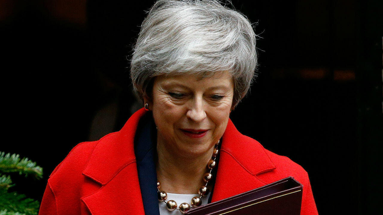 Theresa May quittant le 10 Downing street, le 4 décembre 2018.
