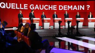 Les sept candidats à la primaire de la gauche, dimanche 15 janvier 2017, sur le plateau du second débat.