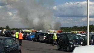 Le jet s'est écrasé sur un site de vente de voitures aux enchères près de l'aéroport de Blackbushe.
