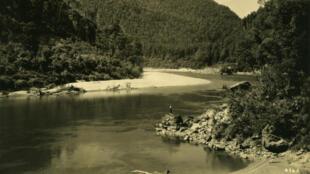 La Buller, un fleuve de Nouvelle-Zélande, en 1912.