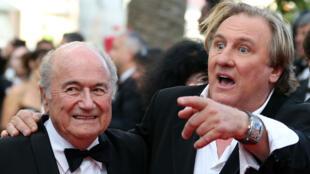Sepp Blatter et Gérard Depardieu à Cannes, en mai 2014.