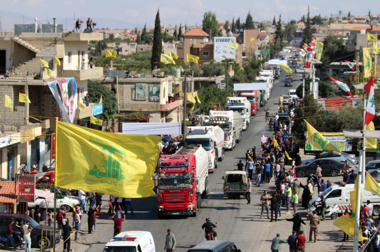 وصول شاحنات محملة بمازوت إيراني إلى منطقة العين في الهرمل في البقاع شرق لبنان، في 16 أيلول/سبتمبر 2021