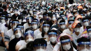 إضراب للأطباء بسبب عودة تفشي  فيروس كورونا في سيول، كوريا الجنوبية، 14 أغسطس/آب 2020.