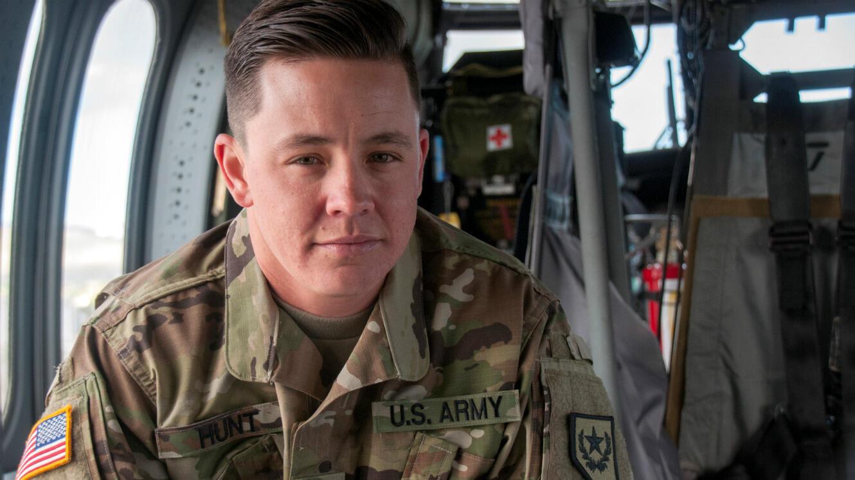 Le sergent Sam Hunt, premier soldat ouvertement transgenre de la garde nationale du Nevada.