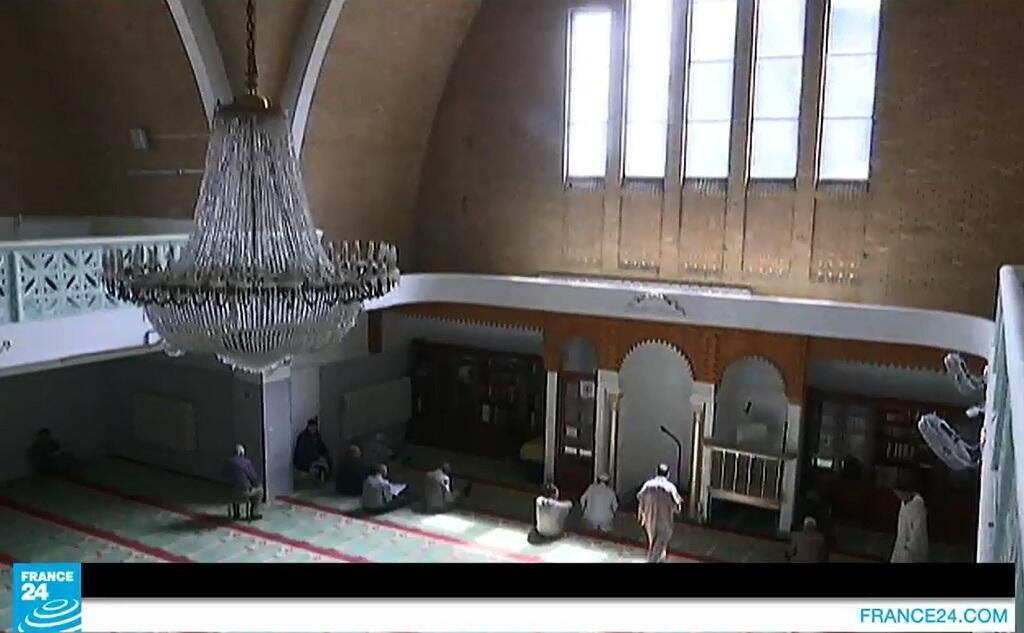 """لقطة من الفيديو لمسجد في مدينة """"ليل"""" شمال فرنسا"""