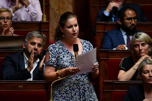 Mathilde Panot, le 1er août 2018, lors d'une question à l'Assemblée.