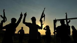De nombreux combattants étrangers ayant combattu dans les rangs de l'EI ont été capturés et sont toujours détenus en Syrie.