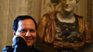 Le couturier Azzedine Alaïa à la Galerie Borghese de Rome, où ses œuvres étaient exposées en juillet 2015.