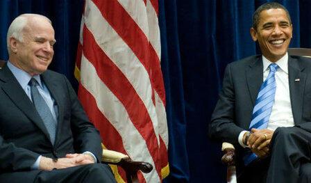 John McCain et Barack Obama se rencontrent pour la première fois, 13 jours après la victoire à la présidentielle de Barack Obama, en novembre 2008.
