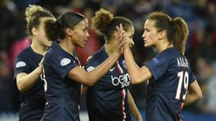 La section féminine du Paris Saint-Germain accède pour la première fois de son histoire en demi-finale de la Ligue des champions.