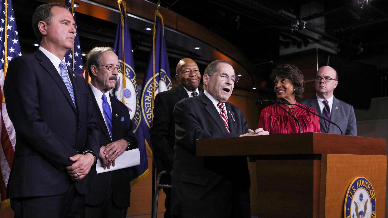 Representantes de los comités demócratas de la Cámara de los Estados Unidos celebran una conferencia de prensa para discutir sus investigaciones sobre la administración Trump en Washington D. C., EE. UU., el 11 de junio de 2019.