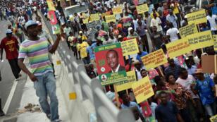 Les partis d'opposition en Haïti avaient appelé à manifester le 16 décembre 2015, après les résultats du premier tour des élections.