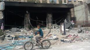 Un bâtiment d'Ibb incendié par des membres présumés d'Al-Qaïda.