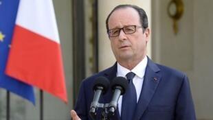 François Hollande a reçu samedi 26 juillet à l'Élysée les familles des victimes