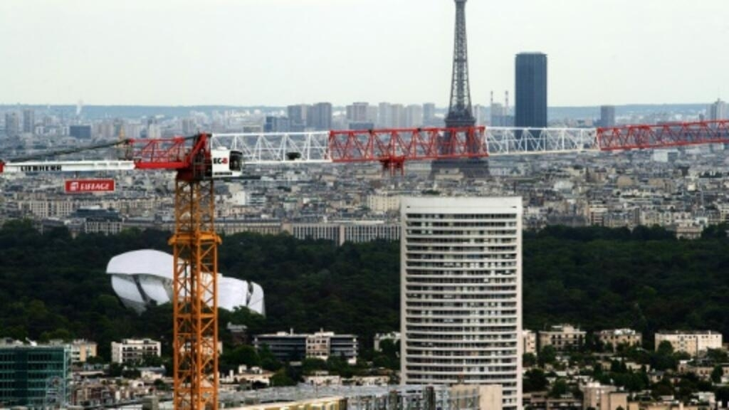 French growth stagnates in second quarter