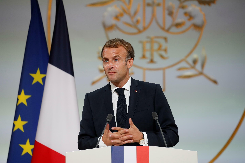 Emmanuel Macron s'exprime lors d'une cérémonie en mémoire des Harkis, le 20 septembre 2021 à l'Elysée
