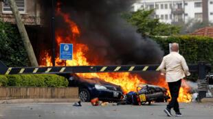 Con explosivos y disparos, los integrantes del grupo yihadista somalí Al Shabab atacaron un complejo hotelero en Nairobi el 15 de enero de 2019.