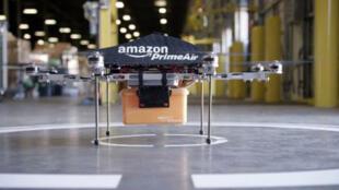 صورة نشرتها أمازون في 2013 لنموذج لطائرتها لخدمة تسليم البضائع