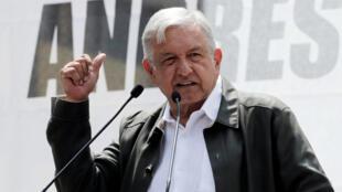 l presidente electo de México, Andrés Manuel López Obrador, asiste a una manifestación como parte de una gira para agradecer a los partidarios por su victoria en las elecciones del 1 de julio en la Ciudad de México, México, 29 de septiembre de 2018.