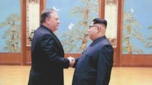 Mike Pompeo avait déjà rencontré Kim Jong-un le 26 avril 2018 à Pyongyang.