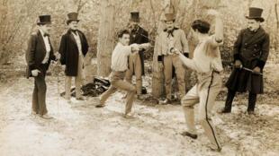Un duel au début du XXe siècle.