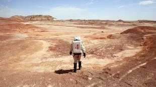 Un membre de l'équipage de Mars Society lors d'une précédente mission, désert de l'Utah.