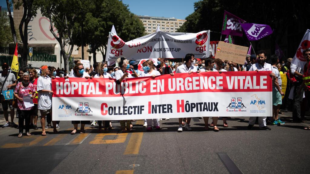 Les soignants redescendent dans la rue pour maintenir la pression sur le gouvernement