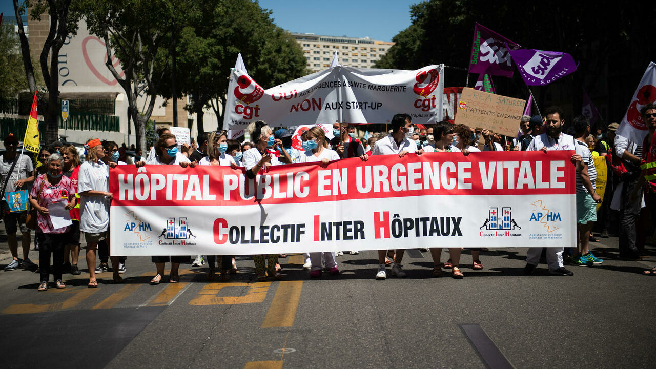 Hospital workers rally across France in push for budget hike