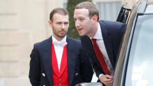Le PDG de Facebook Marc Zuckerberg est arrivé à l'Élysée, vendredi 10 mail, pour rencontrer le président français Emmanuel Macron