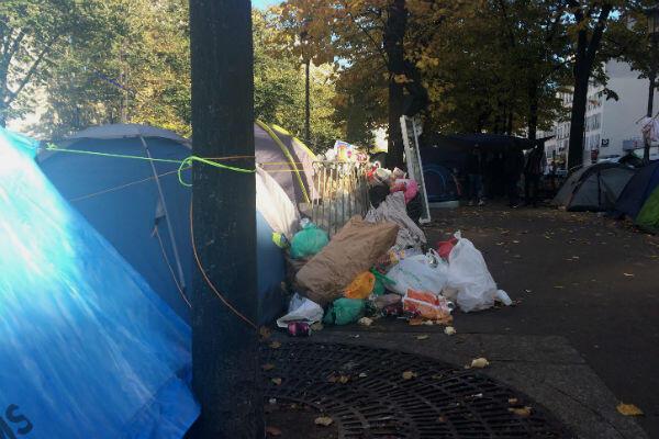 La situation sanitaire est alarmante sur l'avenue de Flandres, dans le 19e arrondissement de Paris.
