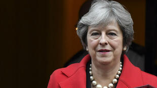 Theresa May quittant le 10, Downing Street, à Londres, le 22 novembre 2017.